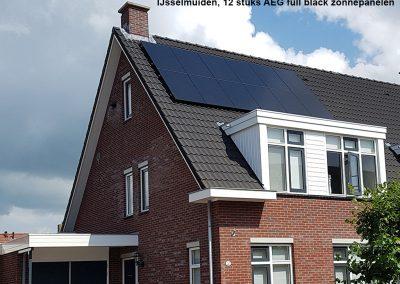 IJsselmuiden,-12-stuks-AEG-full-black-zonnepanelen